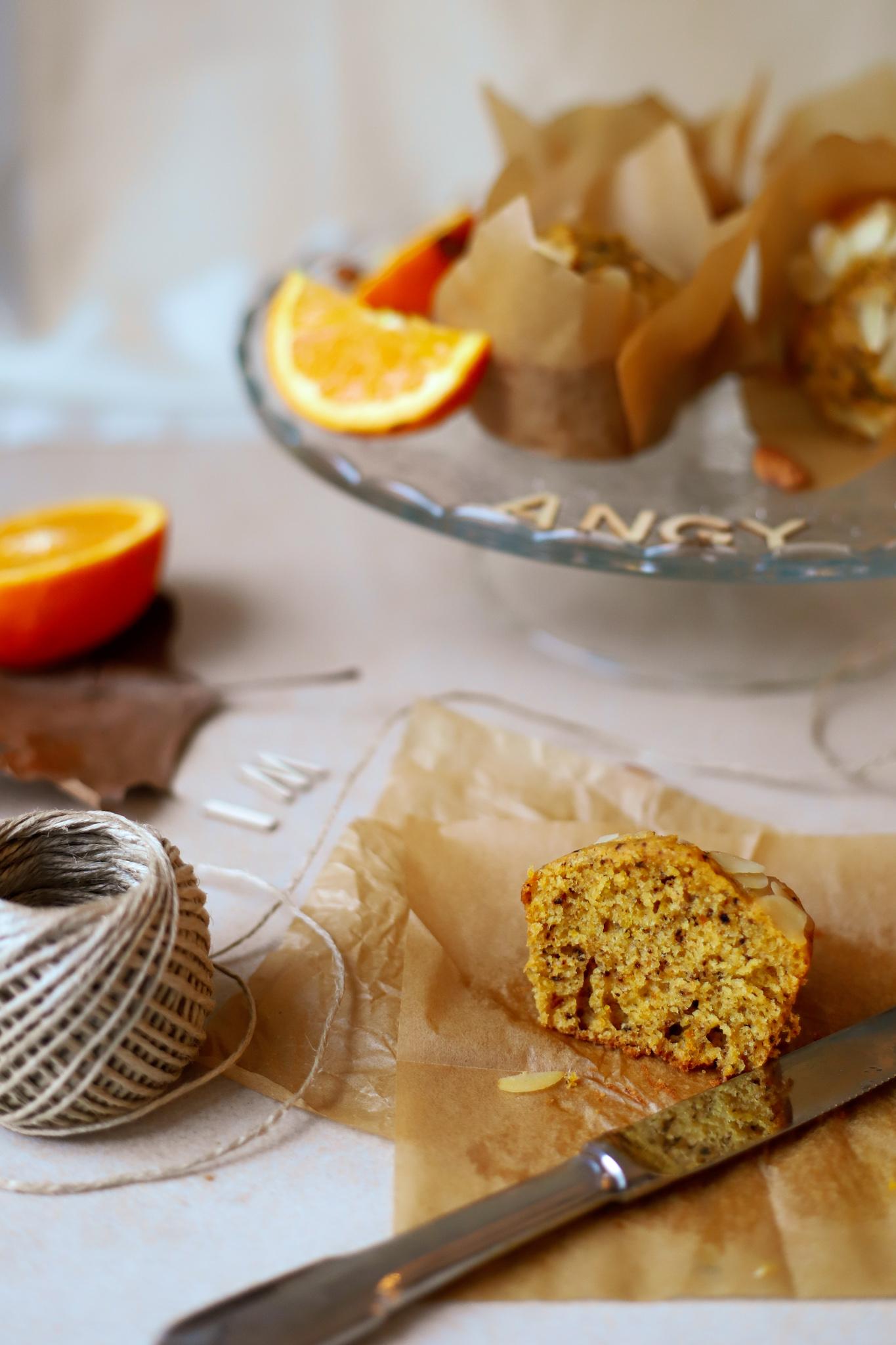 Muffin carota, arancia e mandorla