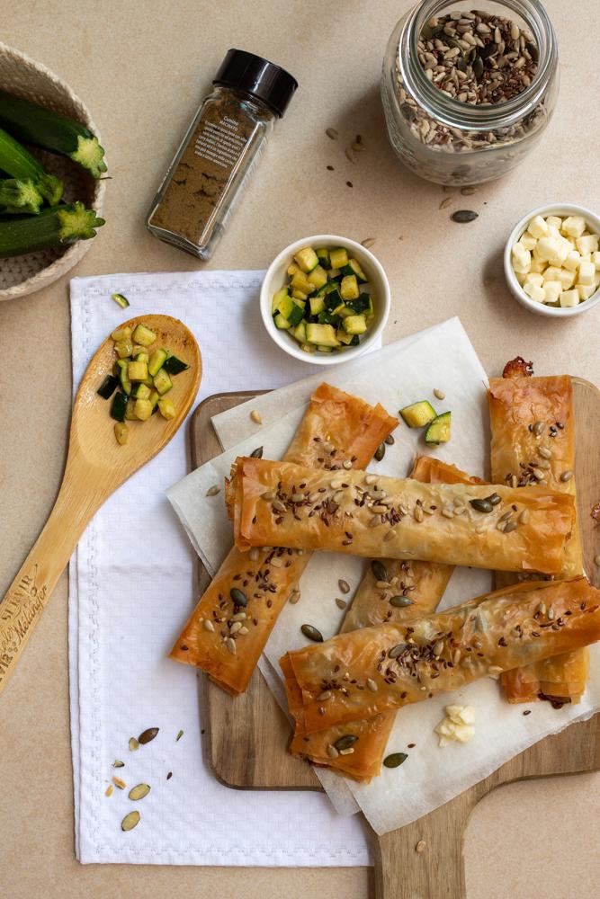 Involtini di pasta fillo, zucchine e mozzarella