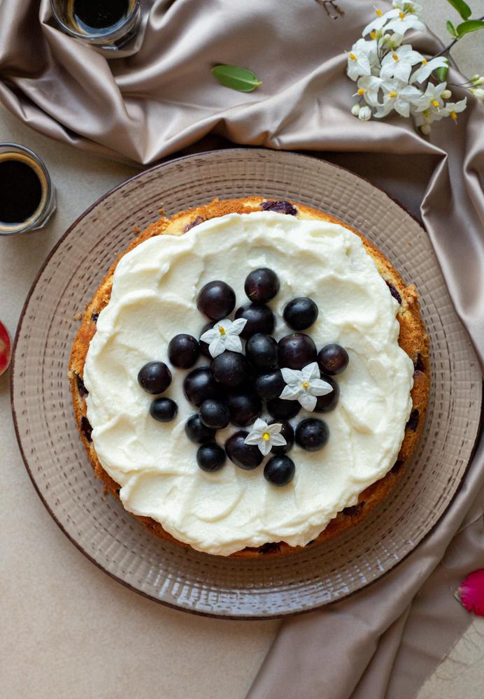 Torta all'uva nera e sambuco